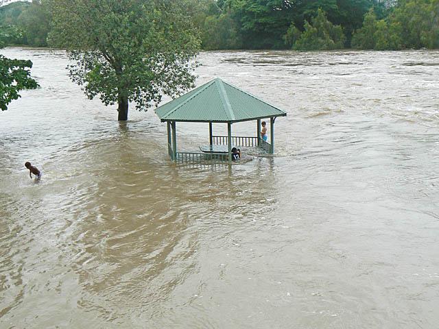 children_flood2.jpg